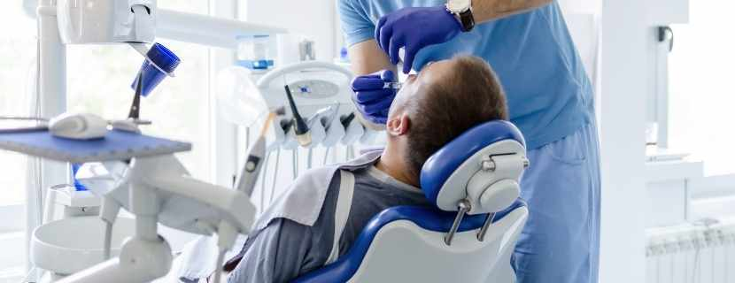 Kancalı Diş Protezleri Nasıl Takılır_