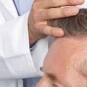 Wann wachsen die Haare nach der Haartransplantation _